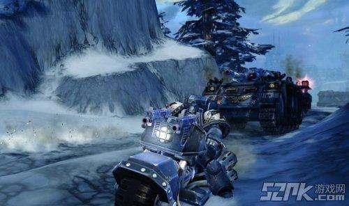 《战锤40K OL》摩托车和坦克