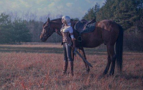 《巫师3》神还原COS获官方好评 最美艳的Ciri