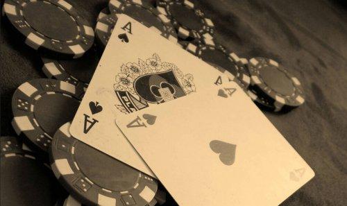中国有2.4亿网络棋牌用户:游戏or赌博