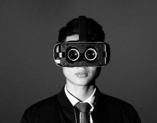 HTC、索尼、三星建议不要让小孩子玩VR